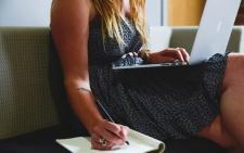Crescono le donne nelle imprese ma al vertice solo una su quattro