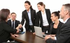 tra giugno e luglio previsti 934 mila nuove assunzioni: 2 su 3 nelle piccole imprese con meno di 50 dipendenti